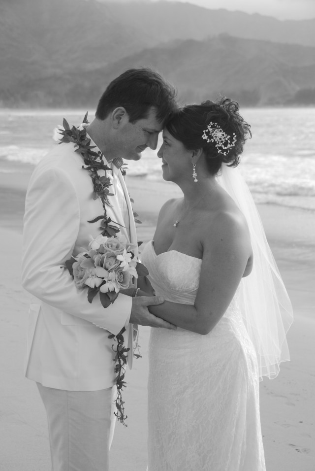 kauai-wedding-photography-couples-in-love-2-2