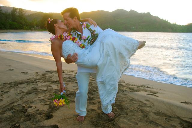 kauai-wedding-photography-couples-in-love-2-8