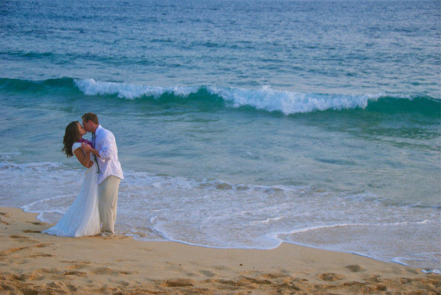 kauai wedding photography couples in love 2 icon