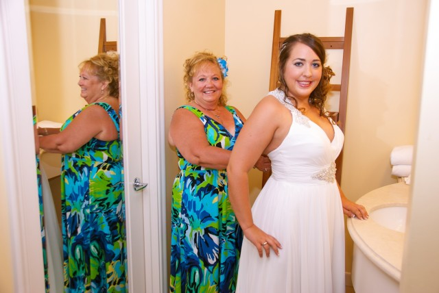 kauai-wedding-photography-getting-ready-12