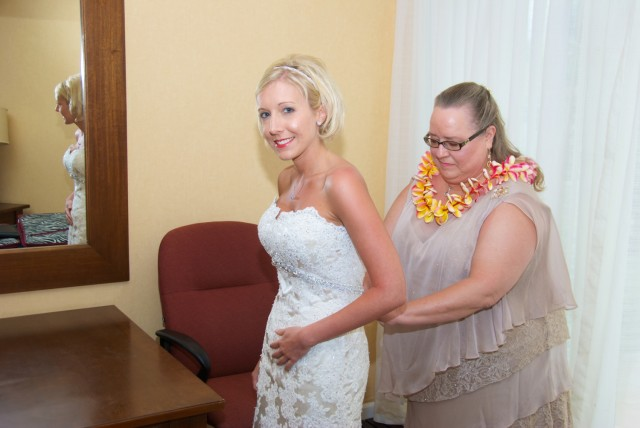 kauai-wedding-photography-getting-ready-7