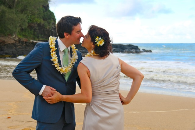 kauai-wedding-photography-playful-16