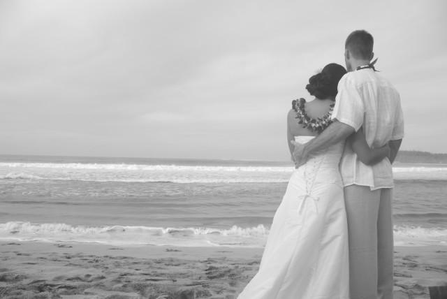 kauai-wedding-photography-trash-the-dress-candids-1