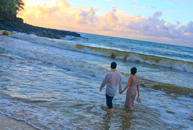 kauai-wedding-photography-trash-the-dress-candids-10