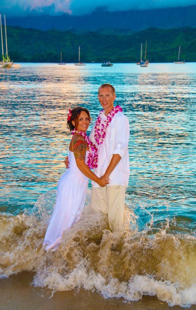 kauai-wedding-photography-trash-the-dress-candids-14