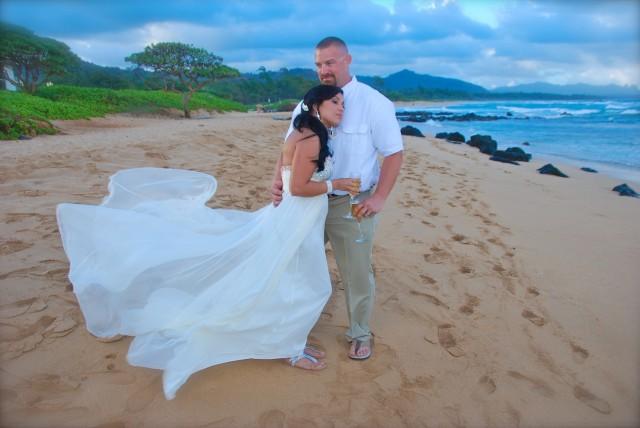 kauai-wedding-photography-trash-the-dress-candids-2