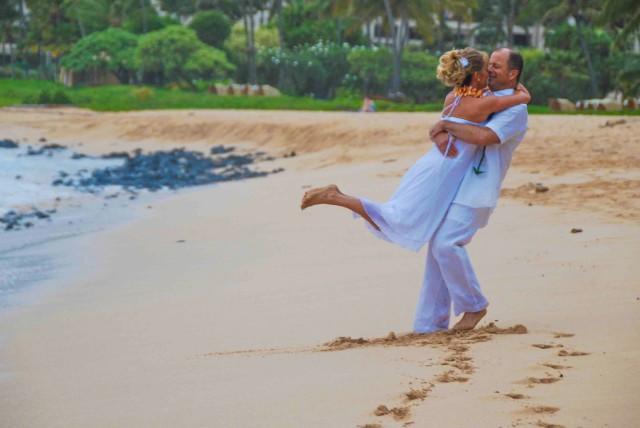kauai-wedding-photography-trash-the-dress-candids-3