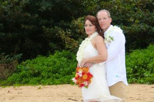 hanna beach kauai featured wedding 6resized